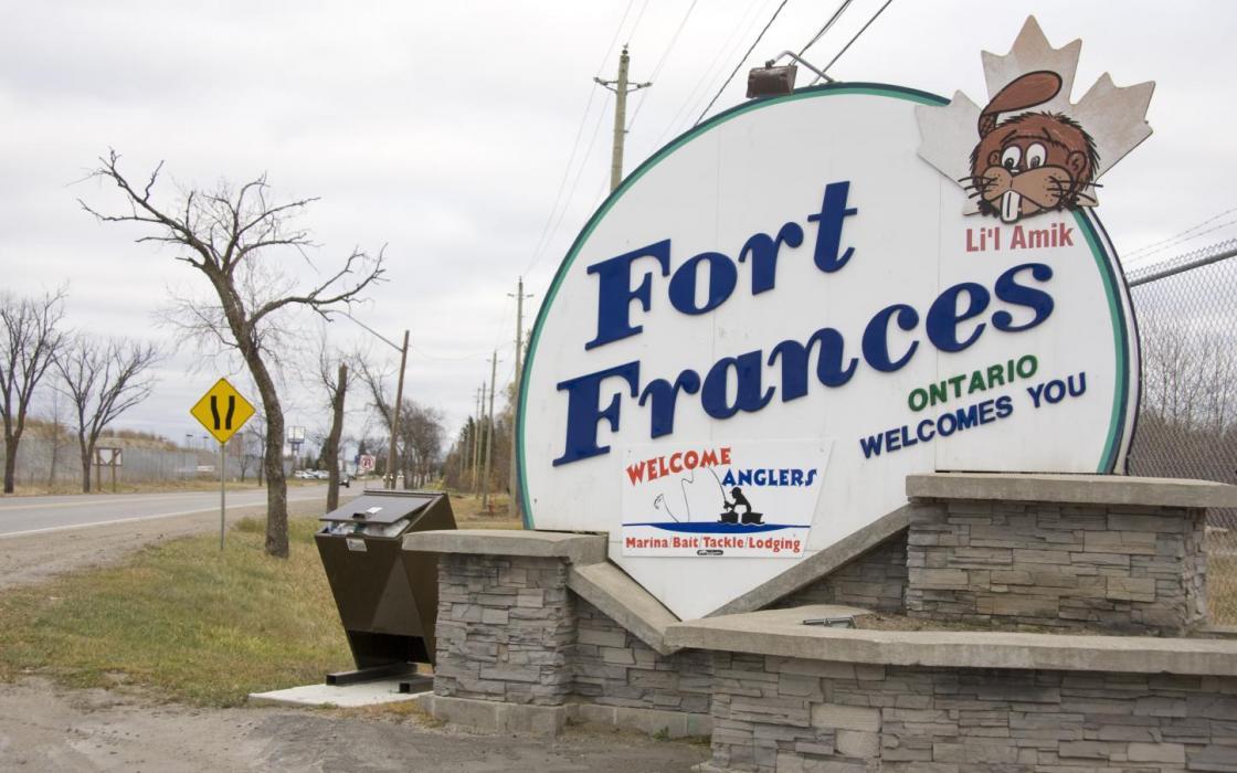Fort Frances highway sign