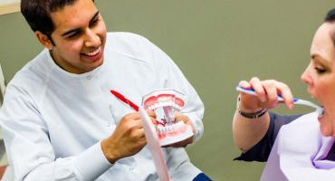 banner photo - teeth cleaning demo