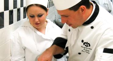 photo banner - food prep in our well-equipped kitchen