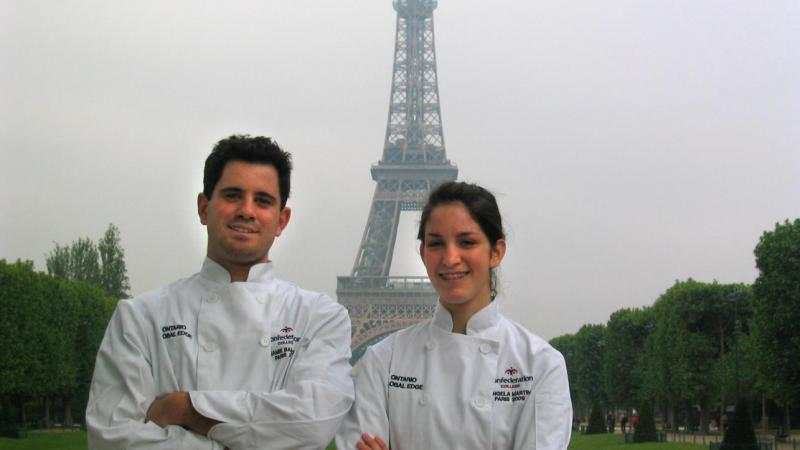 Global Edge students in Paris